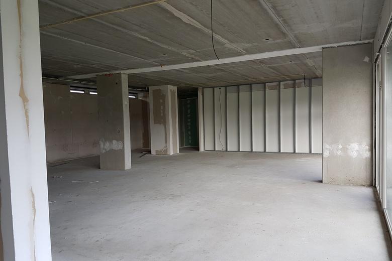BedrijfsruimteaanIzarstraat 24<br/> inZuidhorn
