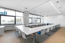 Bekijk foto 3 van eenheid 2 aan de Evert van de Beekstraat 1-104 in Schiphol