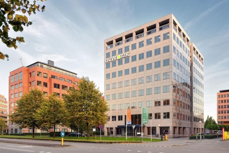 Bekijk foto 1 aan de Karspeldreef 8 in Amsterdam