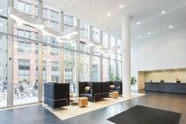 Bekijk foto 2 van eenheid 1 aan de Claude Debussylaan 108 in Amsterdam